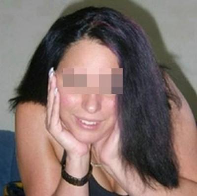 Ravissante jeune femme sur Bron aimant le sexe libertin